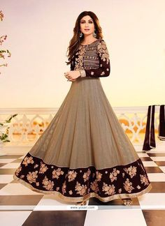 Looking for latest designer anarkali suits online? Peachmode brings to you a wide range of anarkali suits designs at best price. Get latest designer Anarkali Suits for women at Peachmode. Bollywood Designer Sarees, Bollywood Dress, Designer Anarkali, Bollywood Fashion, Bollywood Heroine, Bollywood Style, Anarkali Frock, Lehenga, Anarkali Suits