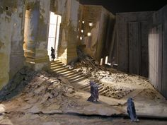 Elektra production shot: Set design by John Macfarlane, Lyric Opera of Chicago, 2012.