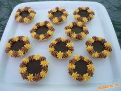 košíčky - Hledat Googlem Muffin, Breakfast, Desserts, Food, Muffins, Postres, Deserts, Hoods, Meals