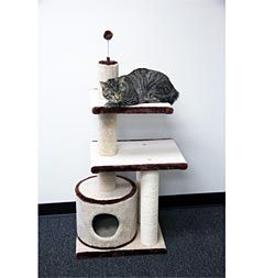 3-level scratching post and kitty condo with sisal fibers