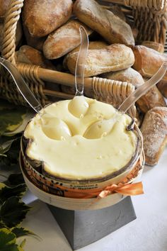♔ Soft French Vacherin cheese