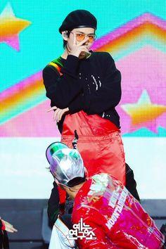 V / Taehyung Jimin, Bts Bangtan Boy, Bts Boys, Foto Bts, Daegu, Yoonmin, Rap Monster, Album Bts, Kim Taehyung