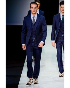 Giorgio Armani Spring 2014 Menswear Fashion Show Giorgio Armani, Armani Suits, Armani Men, Gq Fashion, Fashion Show, Milan Fashion, Sharp Dressed Man, Well Dressed, Gentleman Style