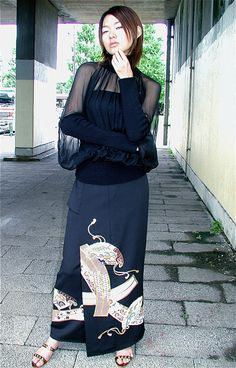クリックで元の大きさに戻ります Kimono Fabric, Kimono Dress, Z Photo, Kimono Pattern, Western Outfits, Outerwear Women, Free Crochet, Upcycle, High Neck Dress
