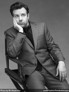 Jason Sudeikis my god, he is gorgeous. Such an attractive older guy. {There is just something about him. Lol}