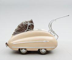 """Bellissima on Twitter: """"《1950年代の乳母車》乳母車に流体力学の理論は全く関係ないのに流線型のフォルムにこだわった、やたらと洒落てるデザイン。良い。 https://t.co/uwV7TzAIFQ"""""""