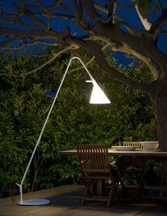 Wil je straks ook in het #donker nog lekker #buiten in de #tuin genieten van een heerlijk wijntje of goed boek? Kijk dan eens naar de mooie #buitenlamp #Mate van Geert #Koster, verkrijgbaar bij #Metalarte