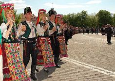 Post your ethnicity in folk/tradional dress | Illyria Forums (Balkans/Mediterraneans/World)
