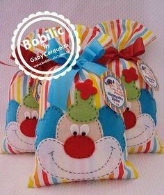 Surprise baggie little clown… Carnival Birthday Parties, Circus Birthday, Circus Theme, Circus Party, 3rd Birthday, Party Gifts, Party Favors, Clown Party, Carnival Themes