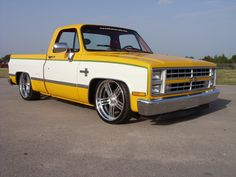 The square body Chevrolet and GMC pick-up trucks are hotter than ever! These trucks were made for years with very little chang. 1987 Chevy Silverado, Custom Chevy Trucks, Chevy Pickup Trucks, Classic Chevy Trucks, Chevy C10, Gm Trucks, Chevy Pickups, Chevrolet Trucks, Cool Trucks