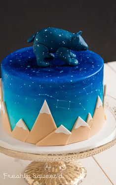 From cakes and cookies to lollipops to donuts, this interstellar collection of space-themed desserts is simply out of this world. And the best part is that you don't need to be an astronaut to eat it!