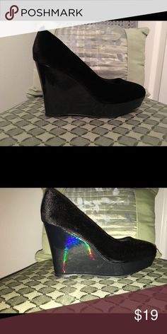 🚨SALE🚨 Like New! Velvet/Patent Leather Wedges! The velvet on these is pristine! The wedge portion is shiny patent leather. They're super easy to walk in for such a high heel, and very comfortable. These cuties will go with everything from jeans to cocktail dresses. Make an offer! 🎁Bundle with other items in my closet; you'll save 20% and pay just one shipping fee! H&M Shoes Wedges