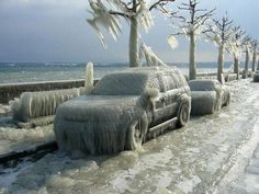 #1 Frozen Cars Along Lake Michigan  Chicago is experiencing a record freeze of -16 degrees farenheit; people with cars just have to stay home and wait it out, as the roads are icy and many vehicles are frozen solid!