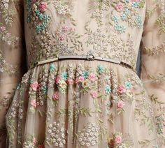 Hand-decorated dress of Valentino... I would LOVE to wear this dress, WOW!!!