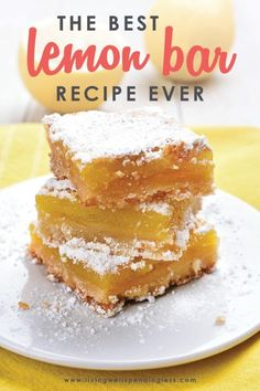 Craving something decadent? This is the best lemon bar recipe ever! They are super easy to make and are the perfect balance of citrus and sweet. Mini Desserts, Lemon Desserts, Lemon Recipes, Easy Desserts, Delicious Desserts, Bar Recipes, Oreo Dessert, Crackers, Best Lemon Bars