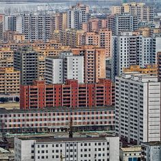 #pyongyang #dprk #northkorea #city #apartments #citiesdiscovered Photo by Instagram user: vincemie