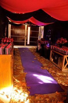 Monstro festa Temática com Alta Cheio de Idéias Realmente Incrível via Ideias do Partido de Kara | KarasPartyIdeas.com TweenParty # # # Salão ...