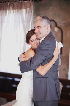 sweet father and daughter moment before walking down the aisle // photo by @Christa Elyce