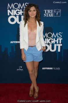 Alyson Stoner Premiere of 'Mom's Night Out' held at the TCL Chinese Theatre IMAX http://www.icelebz.com/events/premiere_of_mom_s_night_out_held_at_the_tcl_chinese_theatre_imax/photo4.html