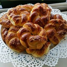 Types Of Bread, French Toast, Deserts, Breakfast, Recipes, Food, Mudpie, Recipies, Postres
