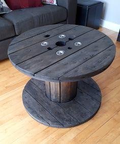 Table de salon Table, Furniture, Home Decor, Drawing Rooms, Homemade Home Decor, Mesas, Home Furnishings, Desk, Decoration Home