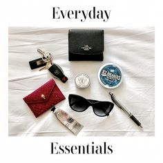 What's In My Bag What In My Bag, What's In Your Bag, My Bags, Purses And Bags, Work Bag Essentials, Inside My Bag, What's In My Purse, Minimal Wallet, Divas