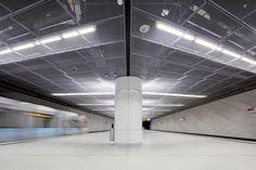 "Wehrhahn-Line Düsseldorf,Heinrich Heine Allee Station: ""Three Model Spaces"" . Image © Jörg Hempel"