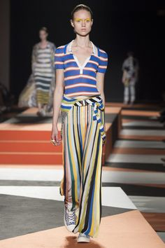 Missoni Spring 2016 Ready-to-Wear Collection Photos - Vogue  http://www.vogue.com/fashion-shows/spring-2016-ready-to-wear/missoni/slideshow/collection#14
