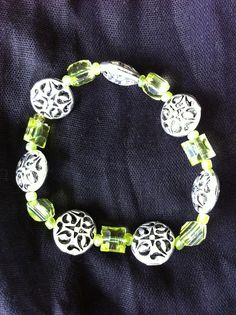 Bracelet with antiqued silver and green beads