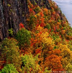 Cliff View by Harold Begun, via 500px