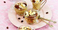 La crema fredda al caffè, deliziosa cremosità che renderà indimenticabili le nostre merende d'estate. Con la sua semplicità farà innamorare tutti. Proviamola
