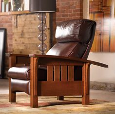 Sheffield Furniture & Interiors carries the top name brand furniture lines such as Stickley, Henredon, Baker Furniture, and Hickory Chair. Leather Living Room Furniture, Room Furniture Design, Arts And Crafts Furniture, Articles En Bois, Morris Chair, Mission Style Furniture, Woodworking Furniture, Woodworking Classes, Arquitetura