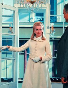"gatabella: "" Catherine Deneuve, The Umbrellas of Cherbourg, 1964 "" Catherine Deneuve, 1960s Fashion, Vintage Fashion, Vintage Style, Vintage Outfits, New Wave, Umbrellas Of Cherbourg, Cool Style, My Style"
