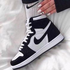 jordan 1 retro high twist (W) 2019 jordan 1 retro high twist (W) t y l e jordan 1 retro high twist (W) 2019 – Related posts:Nike Air Jordan 3 Retro Tinker. Jordan Shoes Girls, Girls Shoes, Shoes Women, Ladies Shoes, Sneakers Mode, Sneakers Fashion, Sneakers Workout, Sneakers Adidas, Jordans Sneakers