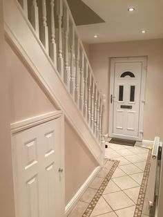 Hallway: dulux natural hessian