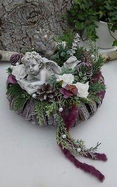 Christmas Candle Decorations, Christmas Flower Arrangements, Funeral Flower Arrangements, Modern Flower Arrangements, Christmas Wreaths, Christmas Crafts, Christmas Ornaments, Casket Flowers, Grave Flowers