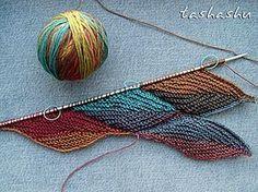 МК Осенние листья (вязаный пэчворк).Автор Tashashu (Светлана). МК по вязаному пэчворку. Подойдет и секционно окрашенная пряжа, и цветные остатки. Будем вязать полотно из элементов в форме листико…