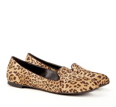 {Camila flat in animal print} meow! Leopard Print Loafers, Animal Print Flats, Cheetah Flats, Cute Shoes, Me Too Shoes, Fashion Shoes, Fashion Accessories, Crazy Shoes, Passion For Fashion