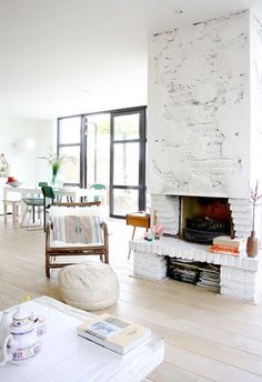 Let's get those dark window surrounds into CH. via Julep