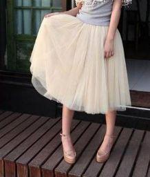 Spódnica puffy:) kliknij w zdjęcie i przejdź do sklepu Tulle Skirts, Skirts For Sale, Fashion Tips, Fashion Design, Fashion Trends, Casual Chic, Royals, Midi Skirt, Dress Up