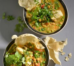 Chickpeas add a delicious texture to this curried fish soup. Hake works particularly well in this dish. Curried Fish Stew, Fish Soup, Soup Recipes, Recipies, Chickpeas, Fish And Seafood, Curry, Snacks, Dishes