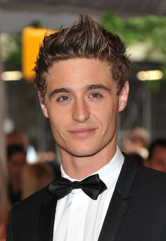 Max Irons from The Host. Cutie!
