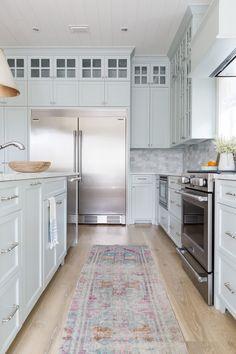 5 Decoration Items To Make Enjoyable Beach Kitchen Design
