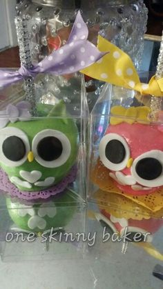 """""""Owl"""" candy apples"""
