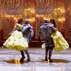 Behind the scenes of the new Beauty and The Beast Live-Action: the Ballroom scene