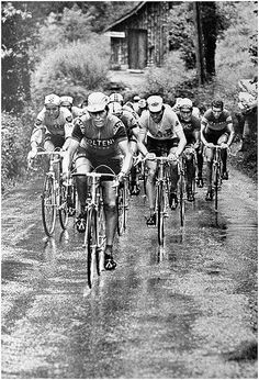 1972 Tour de France | Stage 7 - Sunday, July 9, Bayonne - Pau, 220 km with major ascent the Col d'Aubisque   At the food of the Aubisque EDDY MERCKX placed his master foreman JOS HUYSMANS in front of the peloton to speed up the tempo. In rainy and misty weather circumstances Merckx thinned out the peloton one by one, with Luis Ocana, Felice Gimondi, Raymond Poulidor hanging in his wheels...