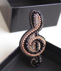 Bead Embroidery Jewelry, Beaded Embroidery, Beaded Brooch, Beaded Earrings, Bead Jewellery, Beaded Jewelry, Gold Office Decor, Diamond Shirts, Acrylic Gems