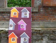 Bird house quilt From modern patchwork Patchwork Quilting, Scrappy Quilts, House Quilts, Fabric Houses, Patch Quilt, Quilt Blocks, Paper Piecing, Geometric Quilt, Bird Quilt