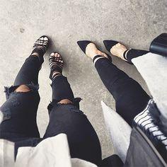 Pretinho básico e que nós não abrimos mão! Calça preta é sempre uma peça curinga, seja ela skinny, flare, pantalona ou de couro. Confira algumas opções no nosso site! #amey #look #jeans #black #love #lookbook #inspiration #fashion #womensfashion #trend #beautiful #style #ootd #instagood #instamood