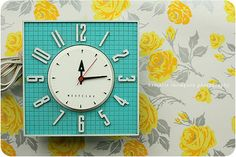 kitschy retro clock - love the color